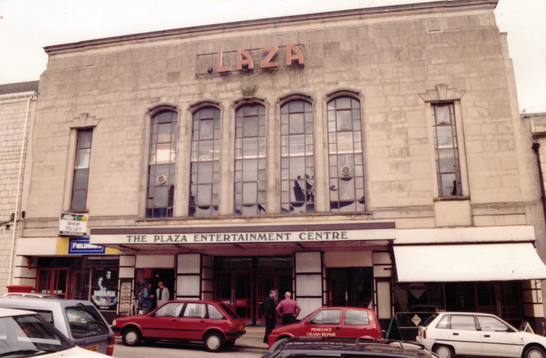 WTW purchase the bankrupt Plaza at Truro from receivers.